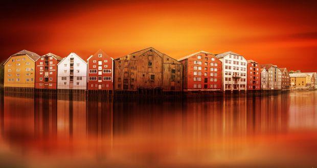 Обои Дома у реки на фоне вечернего неба