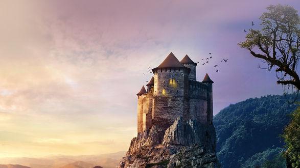 Обои Замок на скале на фоне вечернего неба