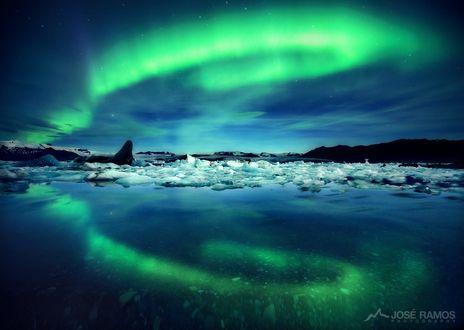 Обои Северное сияние над ледником Lagoon, Iceland / лагуна, Исландия, фотограф Josе Ramos