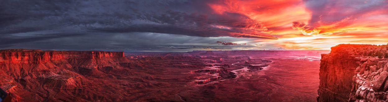 Обои Завораживающий вид на каньоны и реки в национальном парке Каньонлендс, штат Юта, США / Canyonlands National Park, Utah, USA