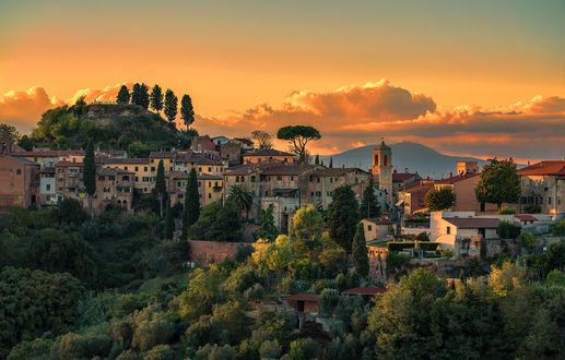 Обои Город Тоскана вечером, Италия, фотограф Klaus Kehrls