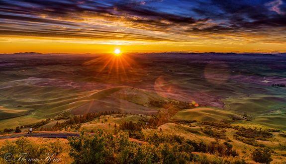 Обои Восход солнца на Palouse поле, фотограф Thomas Kong