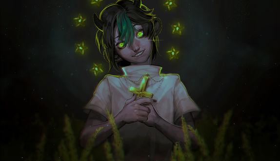 Обои Улыбающийся рогатый парень со светящимися зелеными глазами, с нимбом из звездочек и золотым крестом, склонив голову на бок стоит среди колосьев в ночи / Козерог / Goat by Daniiux