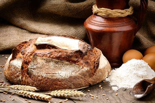 Обои Деревенский натюрморт хлеб-соль и колоски пшеницы