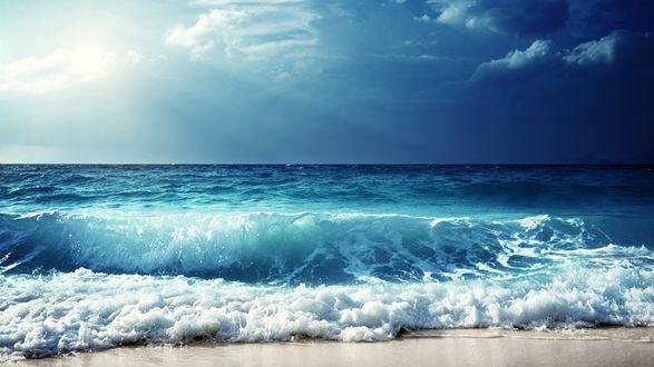 Обои Голубое море под голубым небом