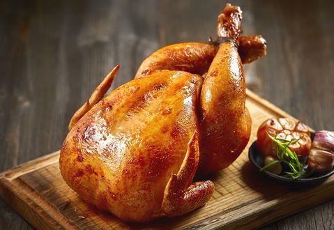 Обои Запеченная курица с чесноком