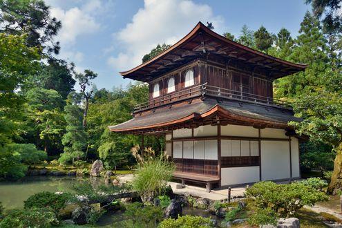 Обои Традиционный японский дом у пруда среди деревьев, Japan / Япония, by lazzapepper