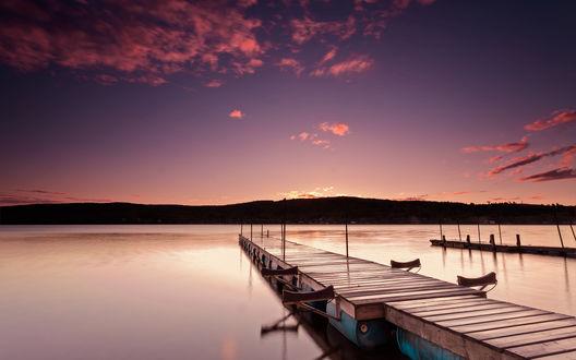 Обои Причал на озере под вечерним небом