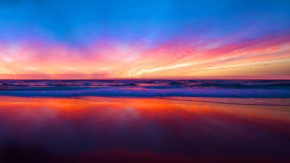 Обои Волны накатываются на берег