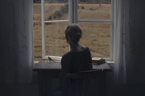 Обои Девушка сидит за столом у окна, by Anna Aden