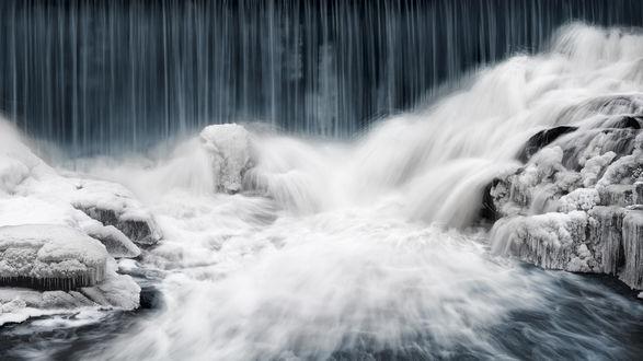 Обои Небольшой водопад в Helsinki, Finland / Хельсинки, Финляндии, фотограф Keijo Savolainen