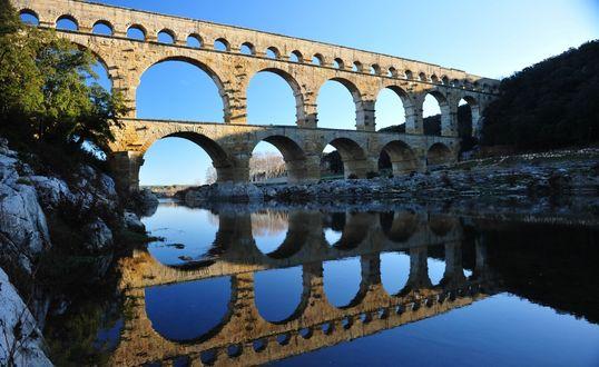 Обои Ажурный акведук Pont-du-Gard / Пон-дю-Гар, Франция