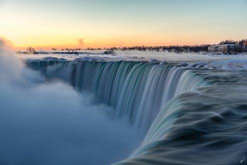 Обои Ниагарский водопад крупным планом, Канада