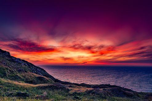 Обои Яркий закат над морем