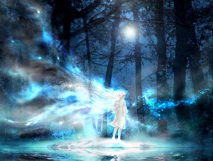 Обои Девушка со светящимися волосами стоит в ночном лесу