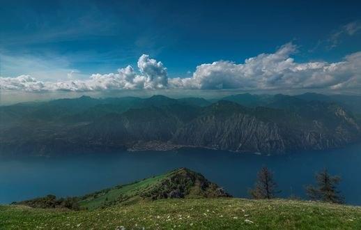 Обои Озеро Garda / Гарда самое большое озеро в Италии, фотограф Maxim K