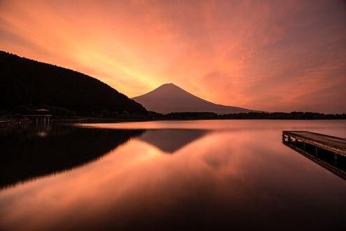 Обои Гора и ее отражение в озере, фотограф momo-123- You. Tomi