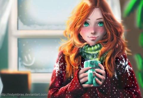 Обои Рыжеволосая и зеленоглазая девушка с веснушками в свитере и шарфе держит в руках кружку с горячим напитком на фоне окна со смайлом, by IndyMBras