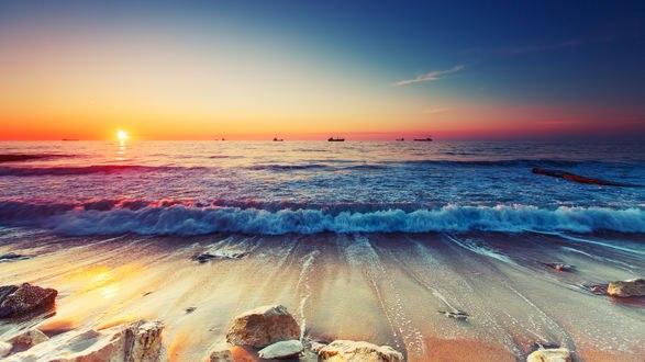 Обои Побережье моря на рассвете