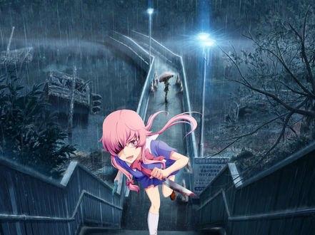 Обои Юно Гасай / Yuno Gasai бежит вверх по лестнице, с окровавленным ножом в руках под дождем ночью, вдалеке на мосту кто-то стоит под зонтом, из аниме Дневник будущего / Mirai Nikki, art by Yakkun