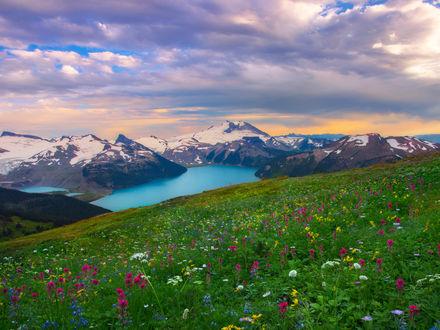 Обои Garibaldi Lake / Гарибальди-горное озеро в провинции British Columbia, Canada / Британской Колумбии, в Канаде