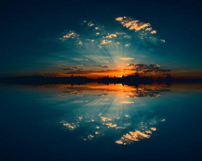 Обои Оранжевый закат и его отражение в воде, фотограф Lord Ogeday Сelik