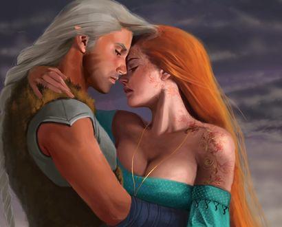 Обои Эльф-блондин и рыжая девушка обнимаются