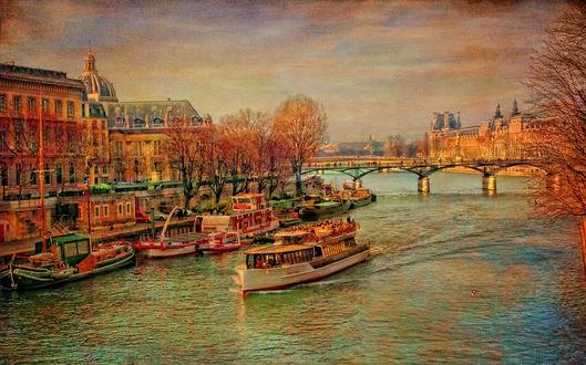Обои Причал с лодками и теплоходами на реке Сена в городе осенью среди домов и деревьев, France, Paris / Фрвнция, Париж