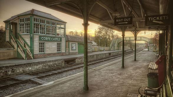 Обои Железнодорожная станция возле замка Корф / Corfe, Великобритания / Great Britain