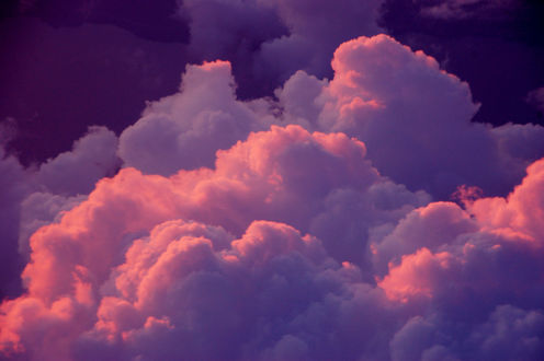 Обои Бело-розовые облака в небе