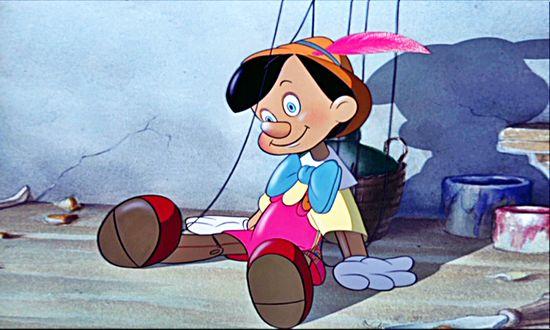 Обои Pinocchio / Пиноккио сидит на полу, мультфильм Пиноккио студии Disney / Уолта Диснея