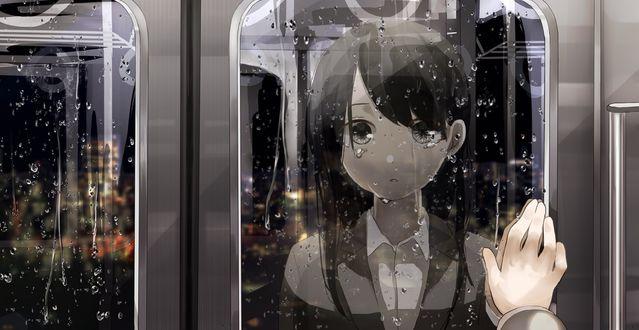 Обои Рука парня на двери поезда, за которой стоит девушка