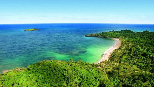 Обои Зеленые острова Карибского моря