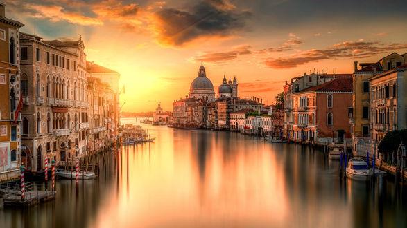 Обои Один из каналов в Венеции, Италия
