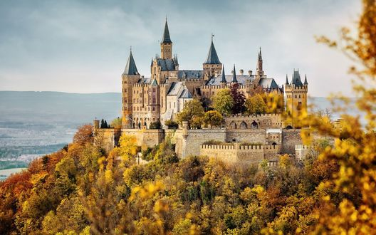 Обои Hohenzollern castle / замок Гогенцоллерн осенью, Germany / Германия