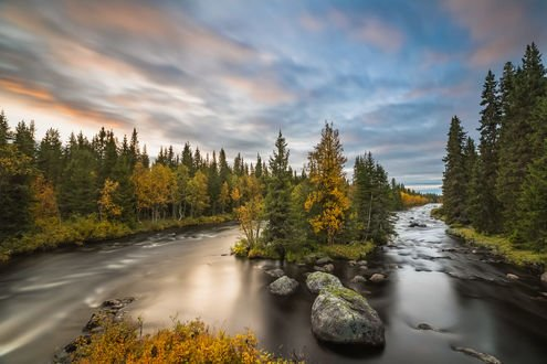 Обои Ранняя осень на реке, фотограф Jоrn Allan Pedersen