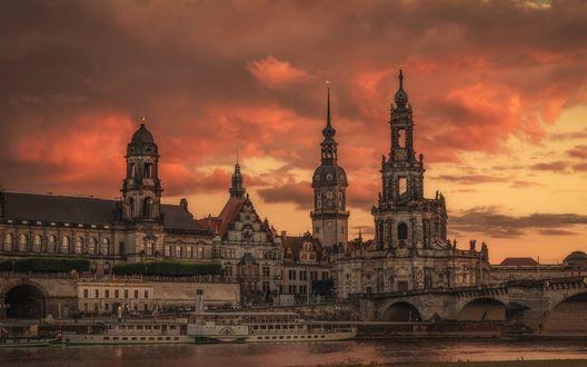 Обои Набережная города Dresden / Дрезден, Germany / Германия