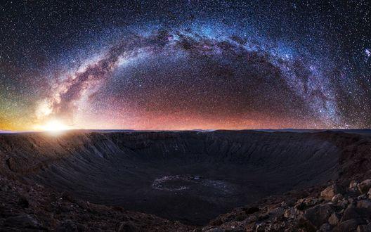 Обои Красивый млечный путь над кратером, автор Mads Peter Iversen