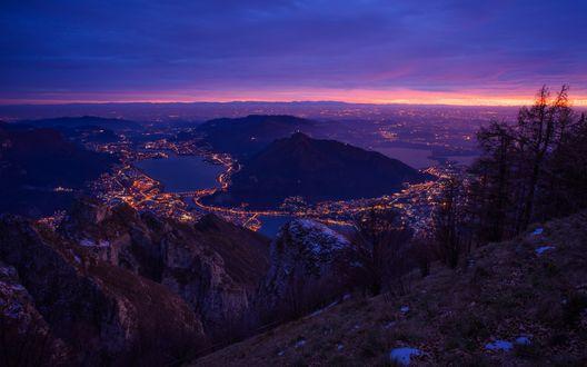 Обои Вид с горы на ночной город