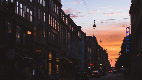 Обои Улица города вечером