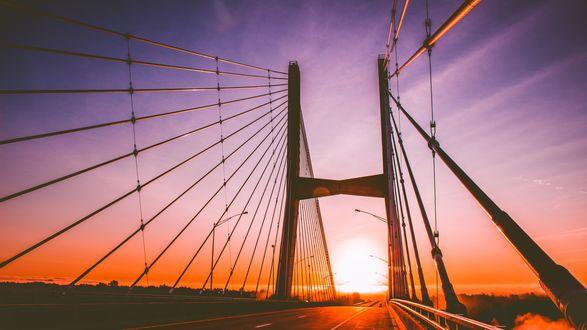 Обои Вантовый мост на закате солнца