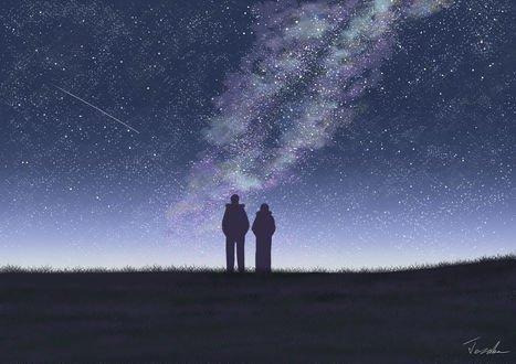 Обои Силуэта парня и девушки, стоящих в траве на фоне ночного неба с млечным путем, by Tosaka