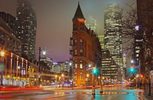 Обои Здание Gooderham / Гудерхэм- историческая достопримечательность Toronto, Ontario, Canada / Торонто, Онтарио, Канада