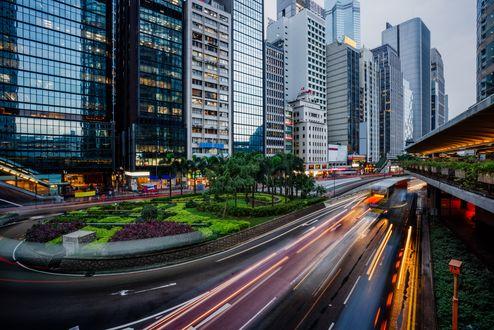 Обои Небоскребы на улице в Hong Kong / Гон-Конг, China / Китай