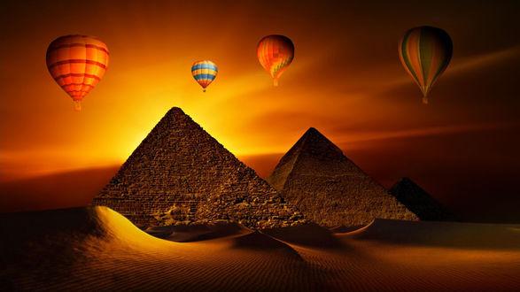Обои Воздушные шары на фоне заката и пирамид