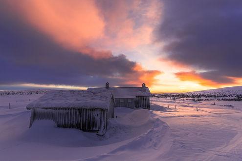 Обои Небольшие домики замело снегом, фотограф Jоrn Allan Pedersen
