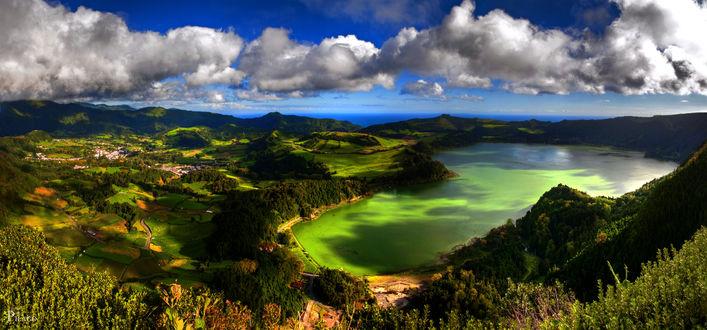 Обои Прекрасный вид природы и озеро острова Сан-Мигел (Азорские острова), Португалия, летом