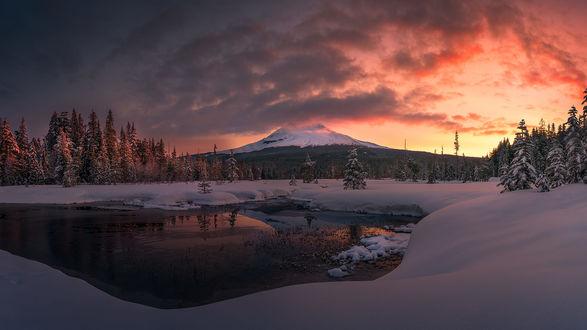 Обои Восход солнца в горах, фотограф Kevin Shearer
