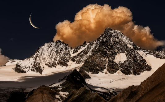 Обои Облако окутало вершины гор, фотограф Manfred Sket