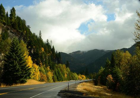 Обои Дорога, идущая на север около Mount Hood / горы Худ, фотограф SandyK29